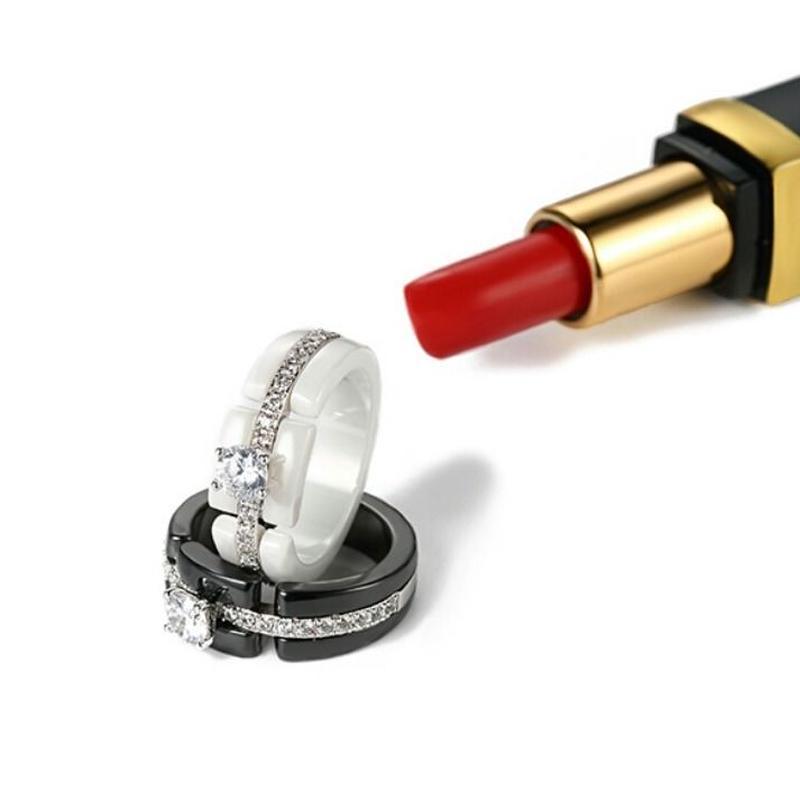 カジュアル&華やかおしゃれ白/黒クリアビジューリング指輪