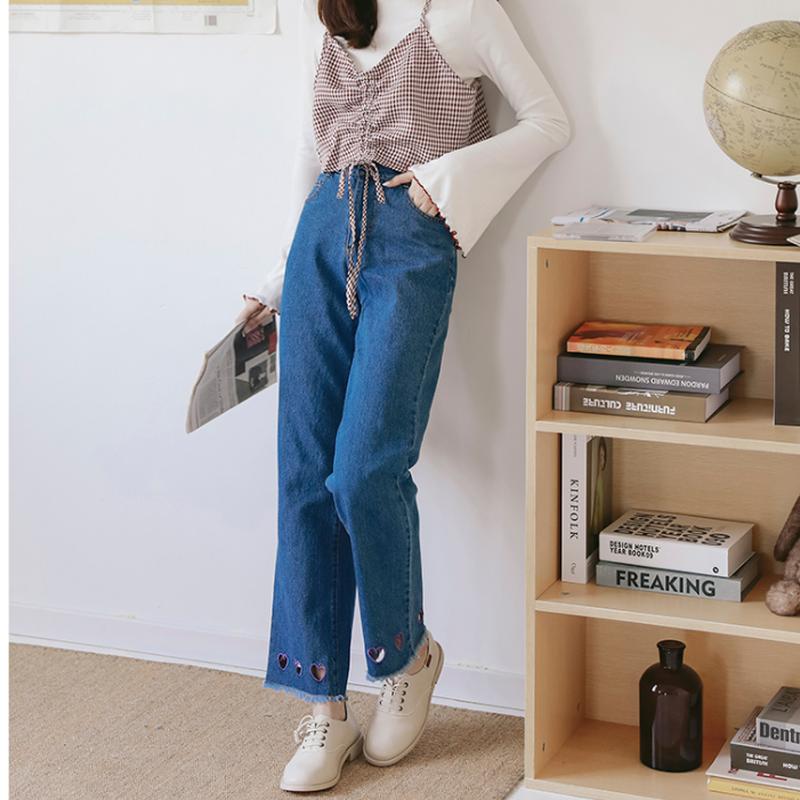 ヘムラインが可愛いハートカットアウトデニムジーンズパンツ