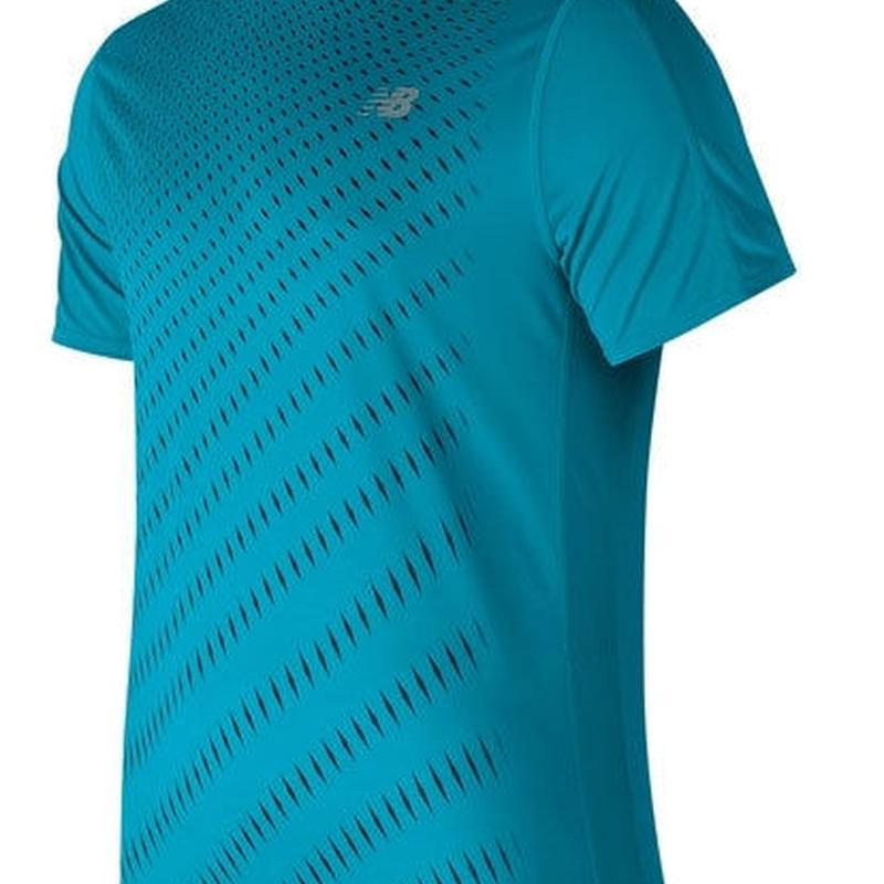 new balance/ニューバランス/アクセレレイトショートスリーブグラフィックTシャツ(モルディブブルー)【AMT81274-MLE】