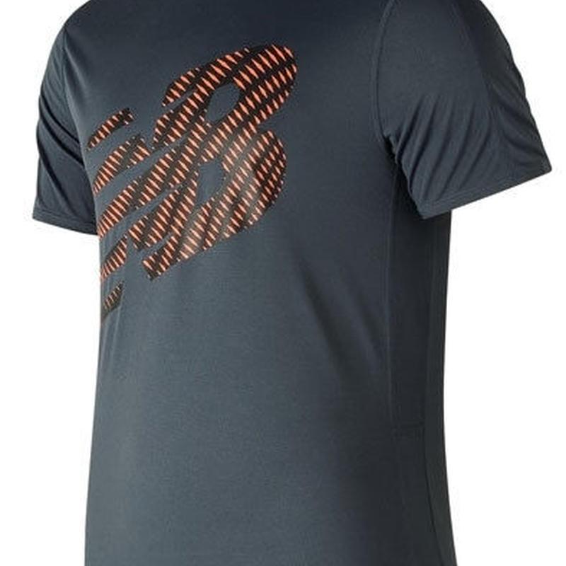 new balance/ニューバランス/アクセレレイトショートスリーブグラフィックTシャツ(サンダー)【AMT81274-THN】