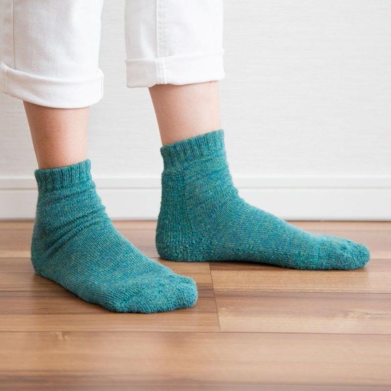 【新色】蒸れずに温かい 底パイルふわふわ靴下  杢グリーン_SO002-GR