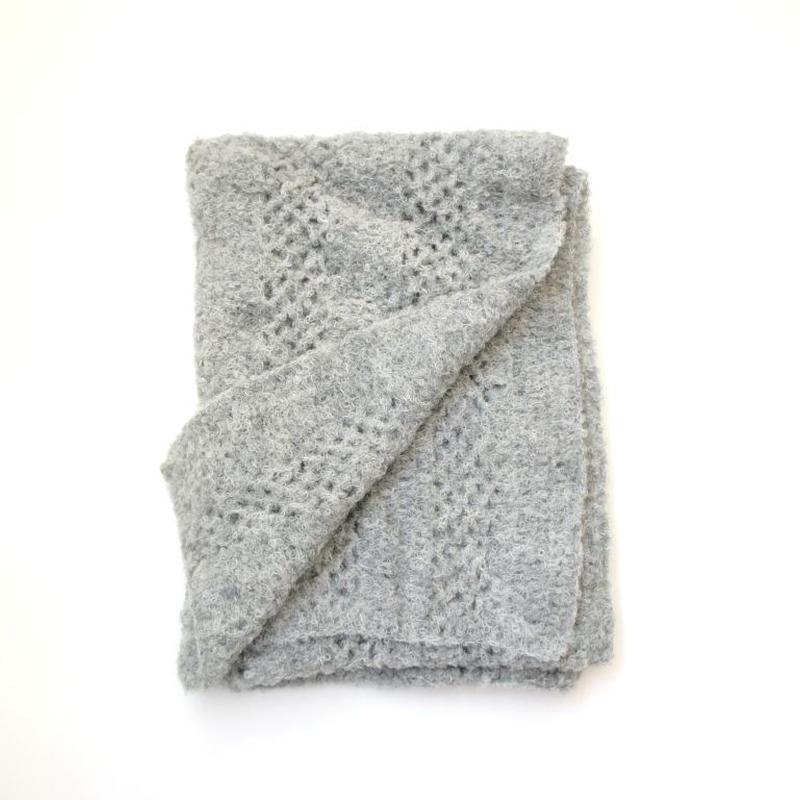 アルパカブークレ手編みの大判ショール ブランケット ライトグレー_SH002-LG