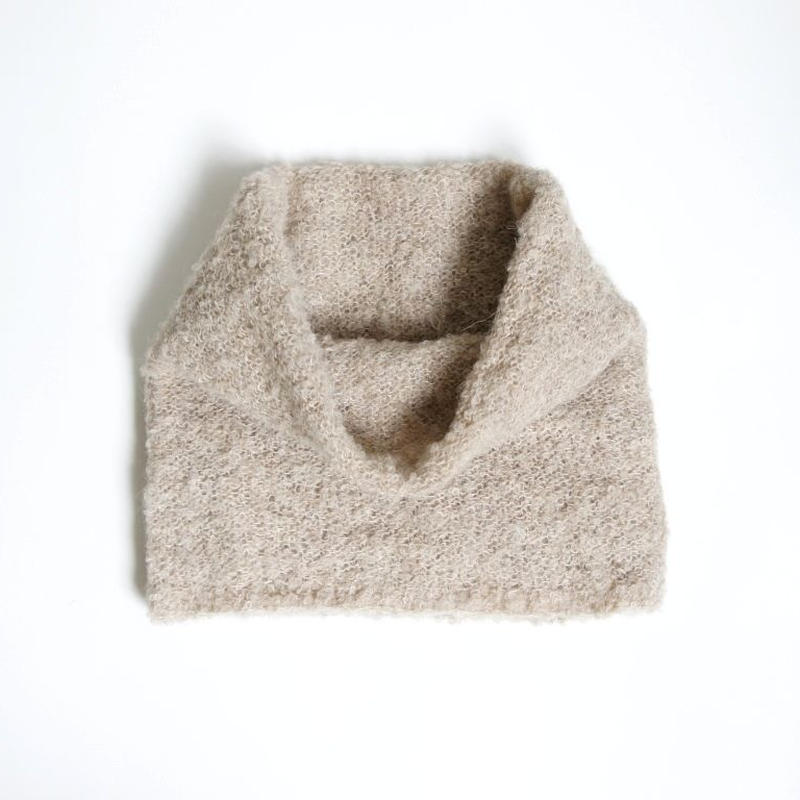 アルパカブークレの手編みネックウォーマー ベージュ_NW003-BE