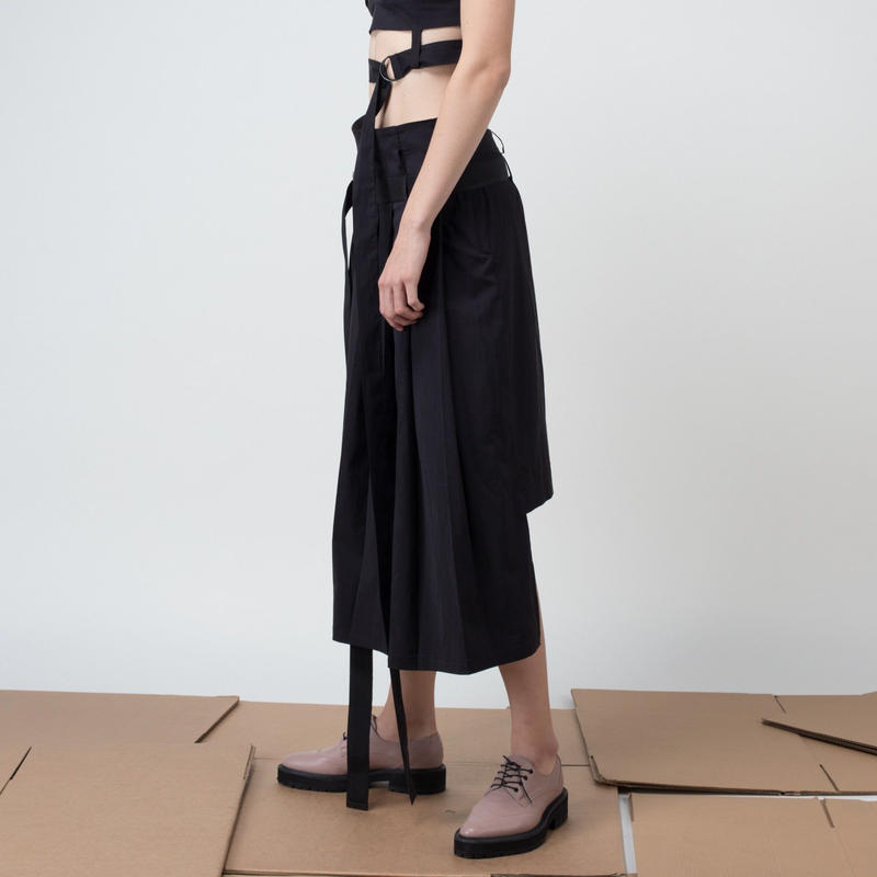 KETA GUTMANE ケタ グットマン Pleat skirt with straight back フロントプリーツ バックストレートスカート