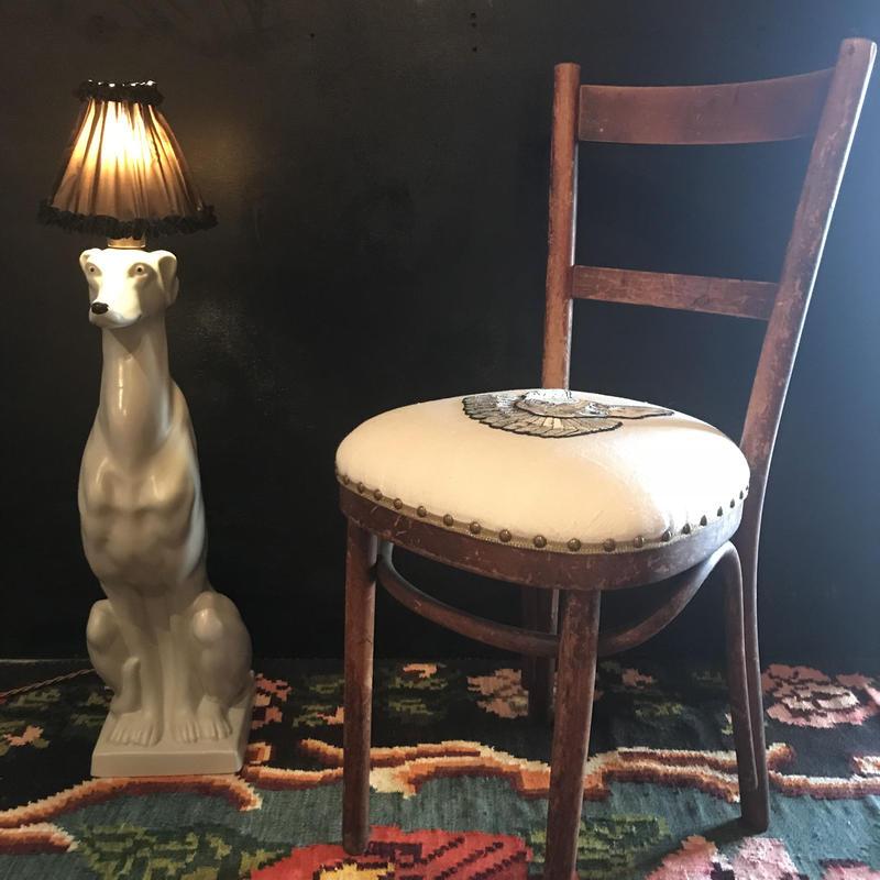 スフィンクスの椅子  右向きのお顔 ベージュ