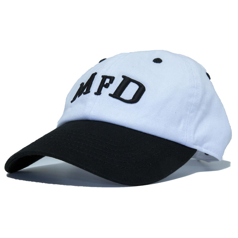 【BLK】short logo snap back cap