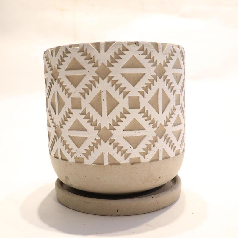 white pot F