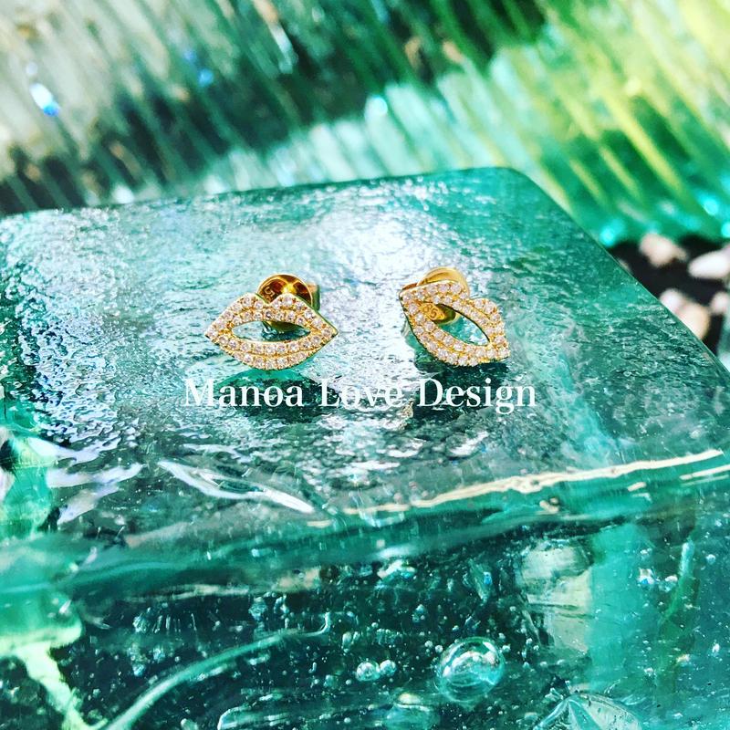 14K キスダイヤモンドピアス ($960)