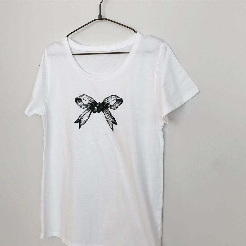 リボンのTシャツ(  ブラック)