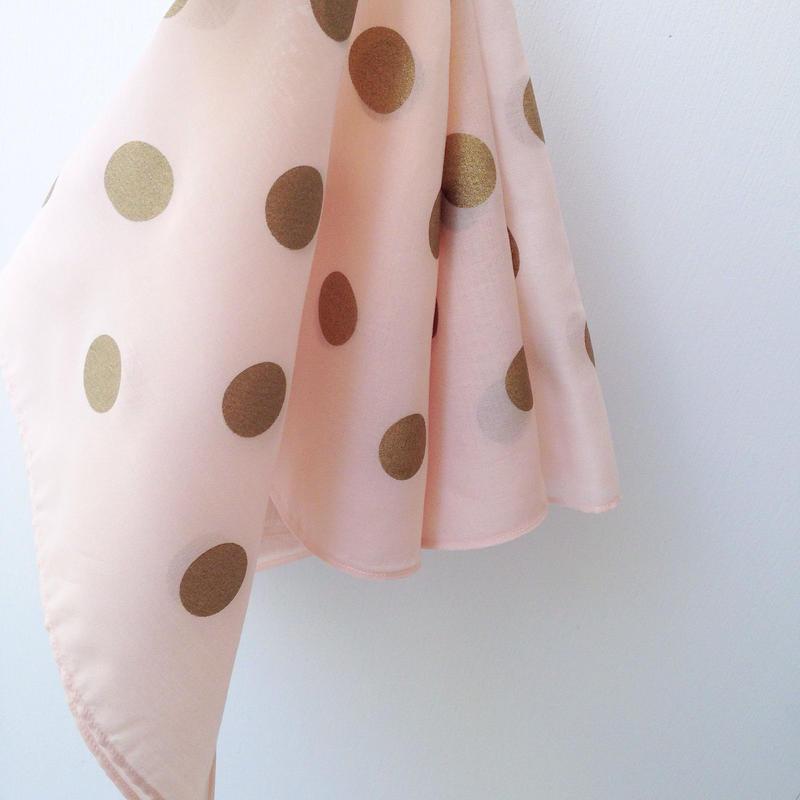 水玉のハンカチ(ピンク)