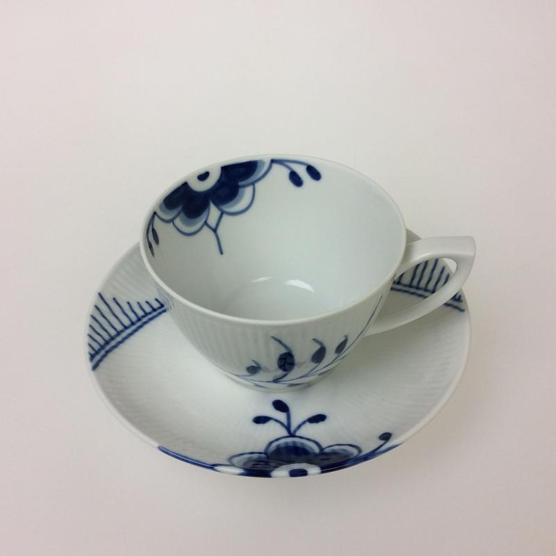 【ロイヤルコペンハーゲン】ブルーフルーテッドメガ   カプチーノカップ&ソーサー