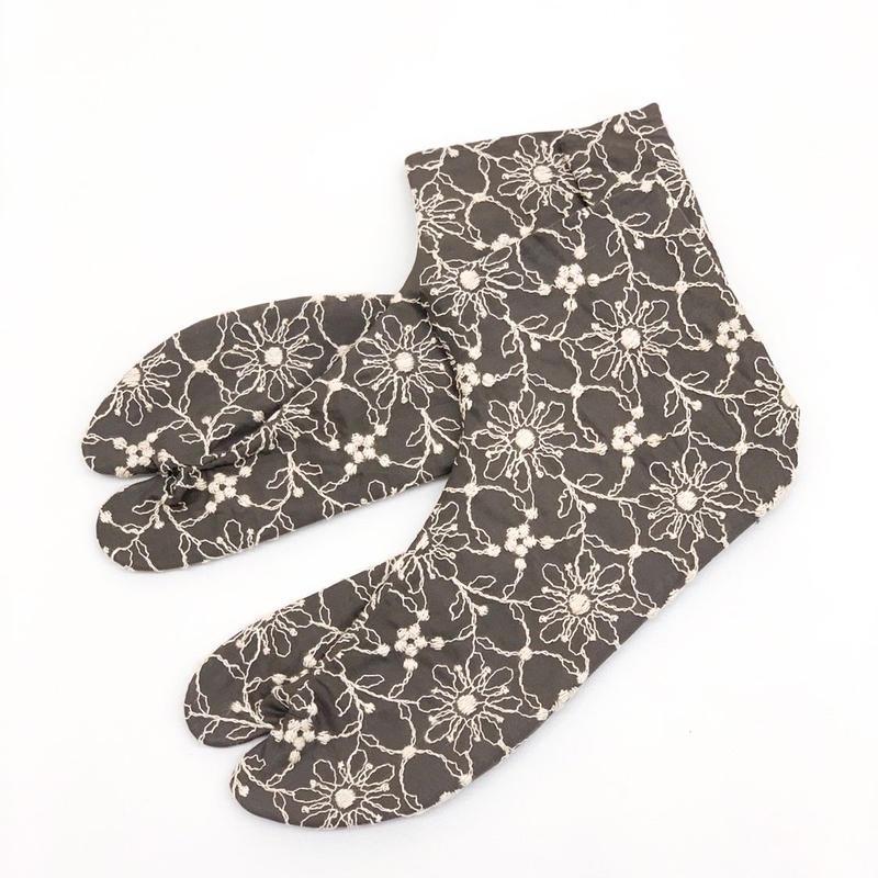 7-24 ししゅう足袋 グレー