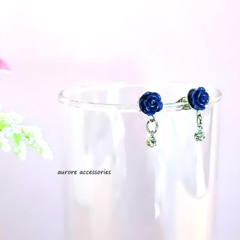 rose pierced earrings バラのピアス ネイビーローズ 小ぶり