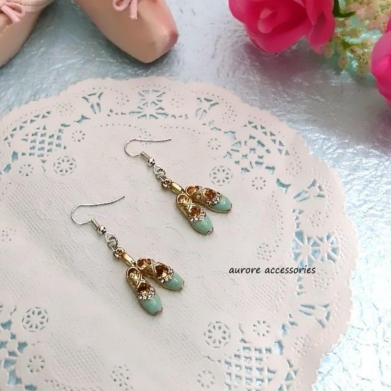 ballet shoes pierced earrings バレエシューズのピアス