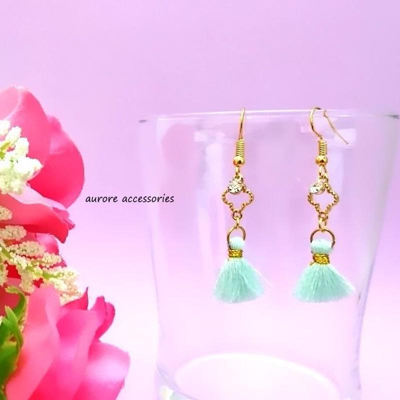tassel pierced earrings フラワー&ミニタッセルのピアス
