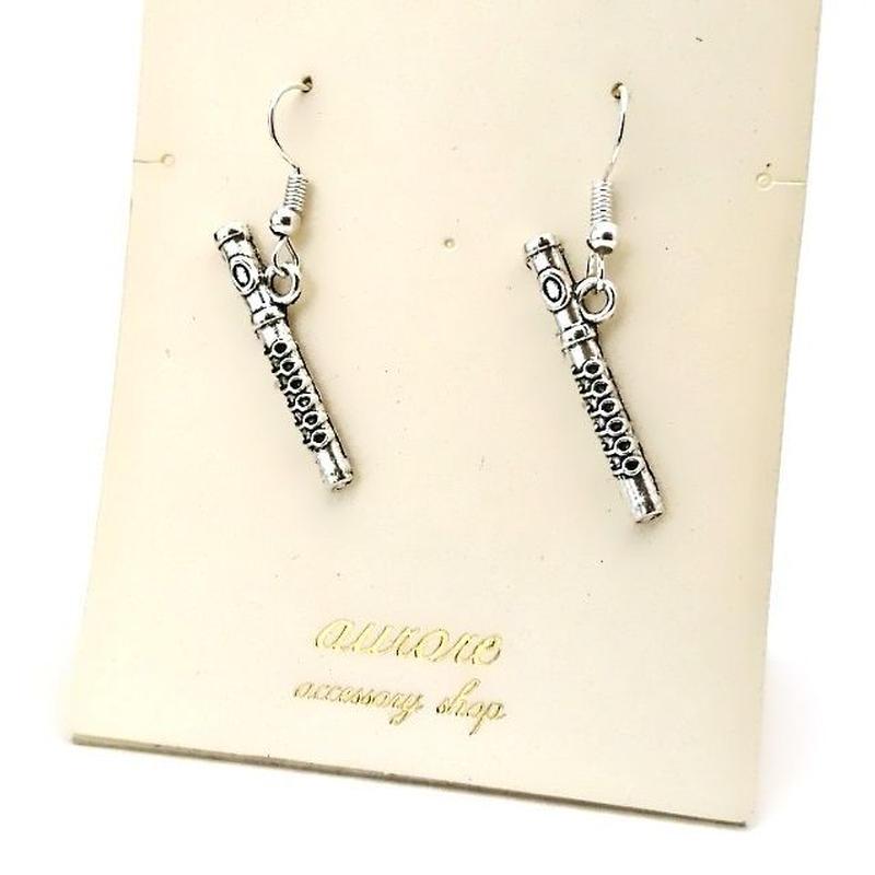 flute pierced earrings フルートのピアス