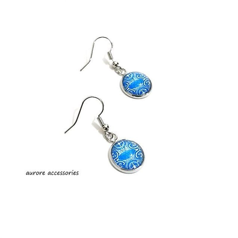blue pierced earrings ブルーのピアス