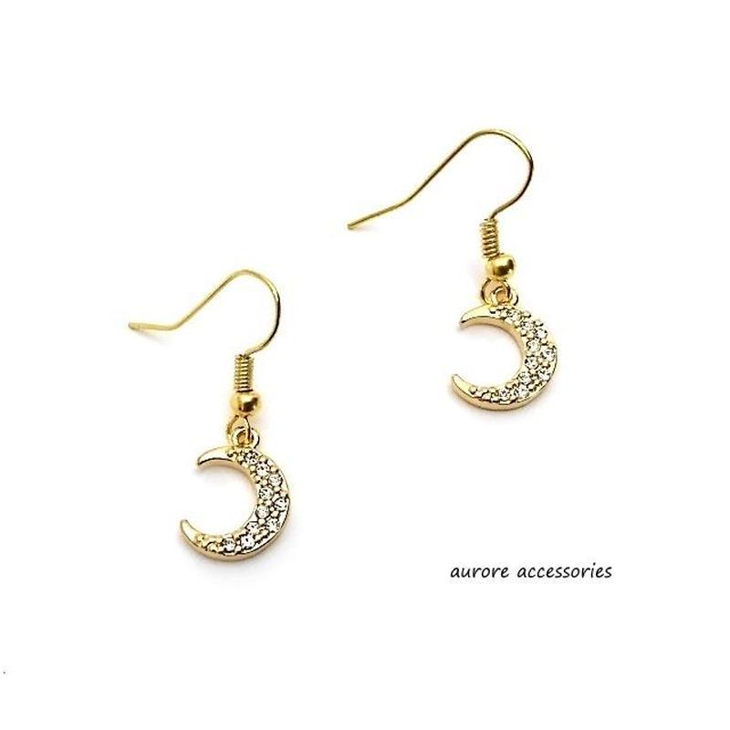 moon pierced earrings 月のピアス ゴールド