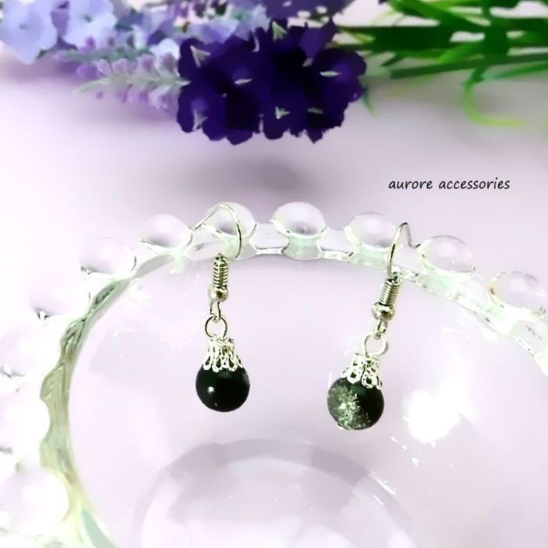 black pierced earrings クラックビーズのピアス ブラック 黒