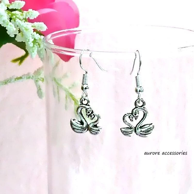swan heart pierced earrings 白鳥&ハートのピアス