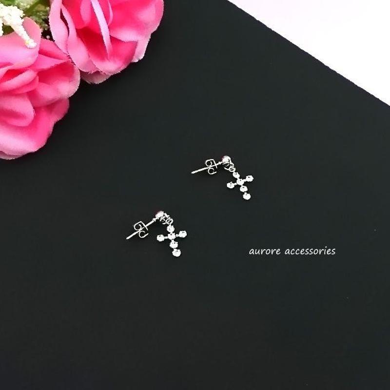 cross pierced earrings クロスのピアス 十字架