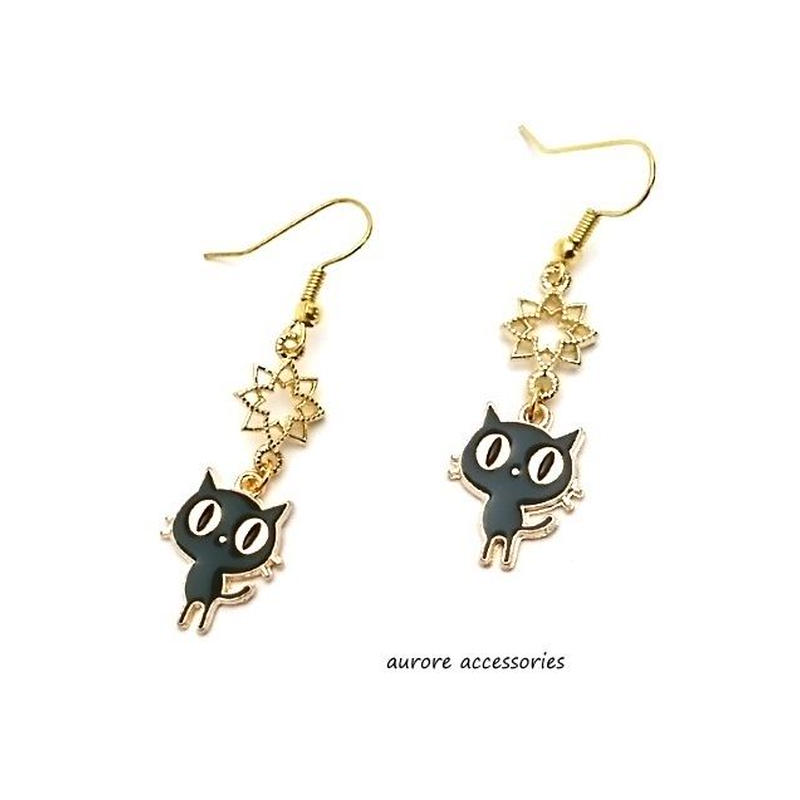 black cat pierced earrings 黒猫&星のピアス