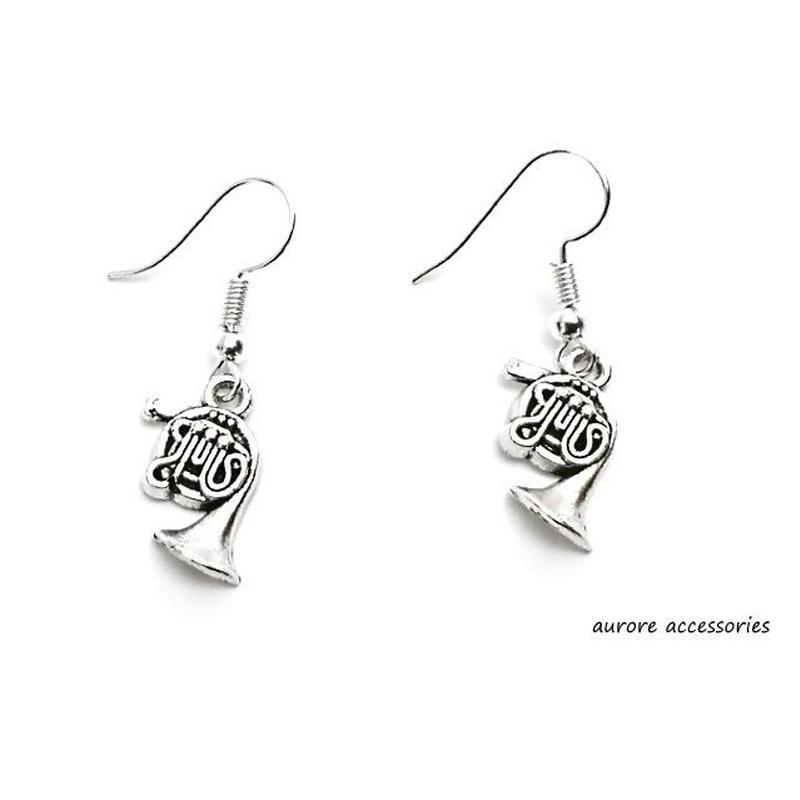 horn pierced earrings ホルンのピアス