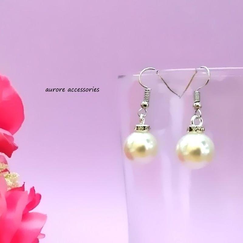 pearl pierced earrings パールのピアス