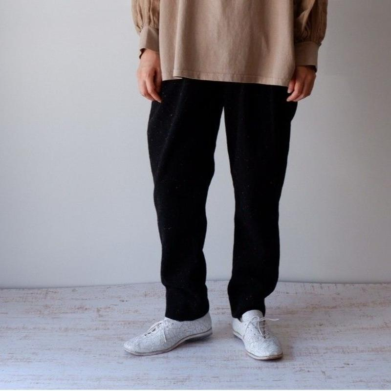 SOULIVE(ソウライブ)/ PLANET WOOL 2TACK TROUSERS   BLACK