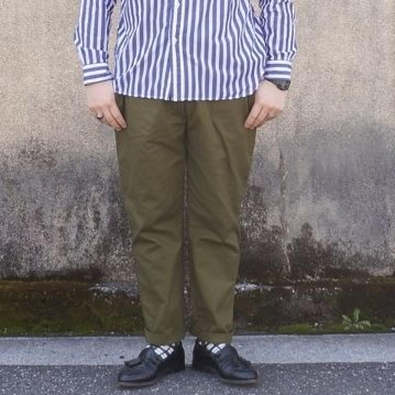 weac.(ウィーク)/ Relax pants カーキ