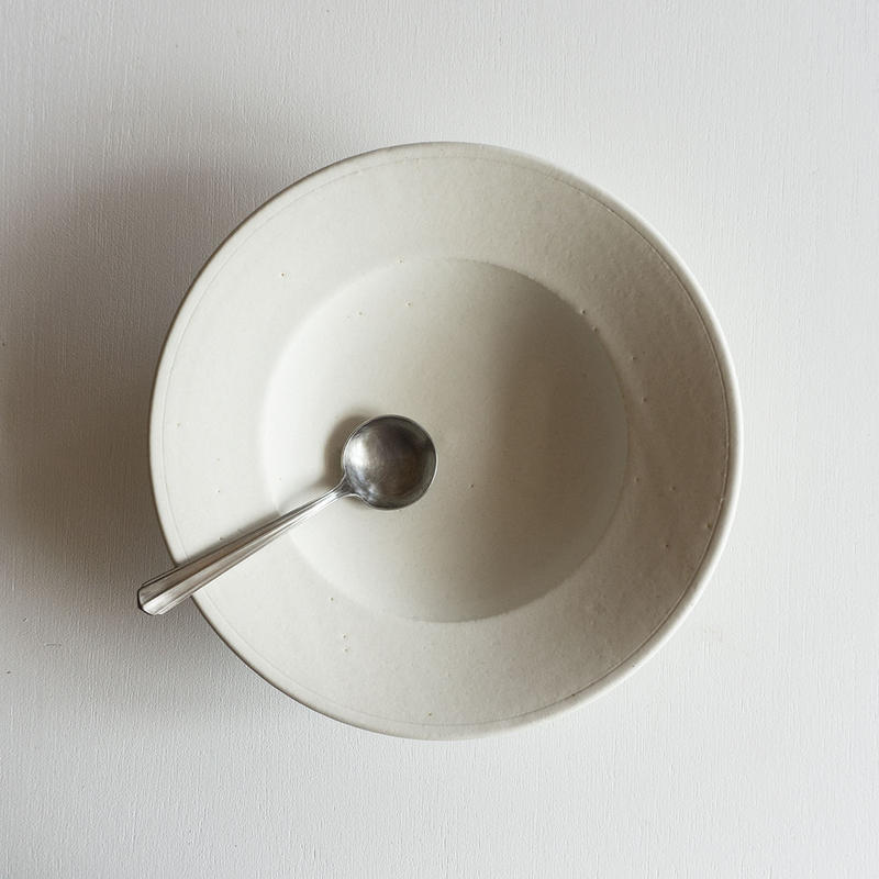 船串篤司 白釉リム深皿24φ