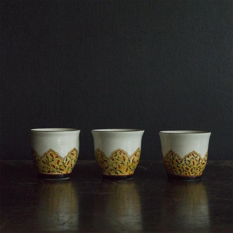 升たか 色絵更紗紋茶杯