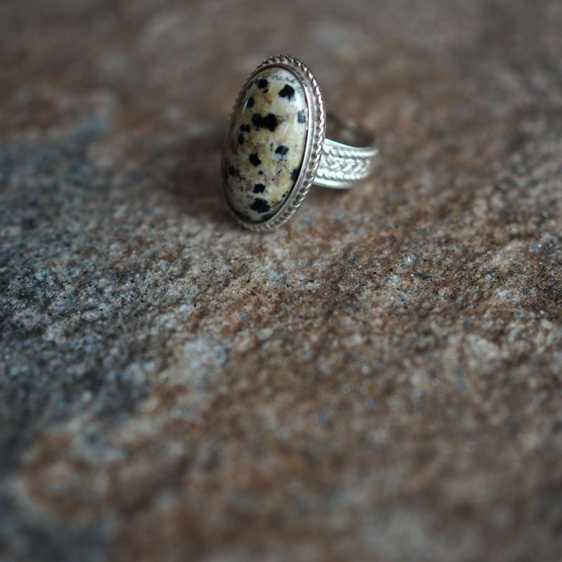 natural_stone_ring