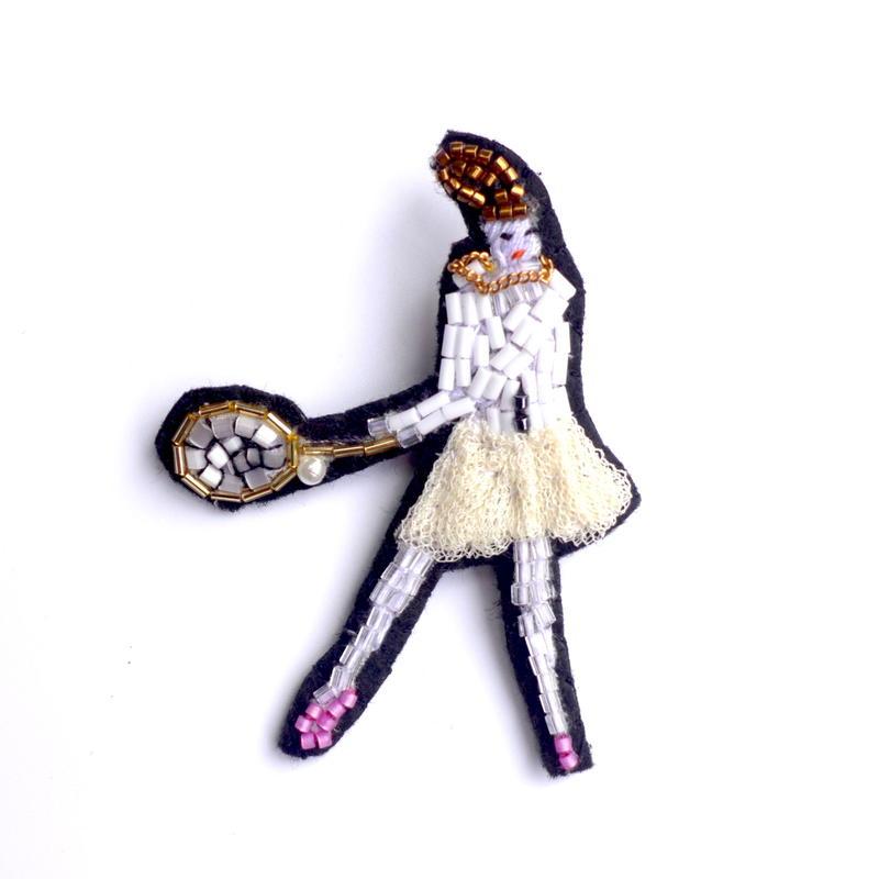 テニスガール a tennis girl  | ビーズピンバッジ hand made beads pin