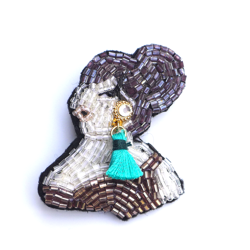 a singer (シンガー)    ビーズブローチ hand made beads brooch