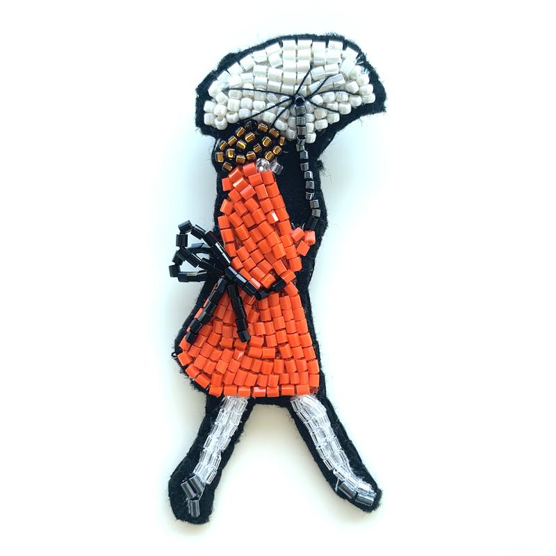 傘をさすレディbigger | ビーズブローチ