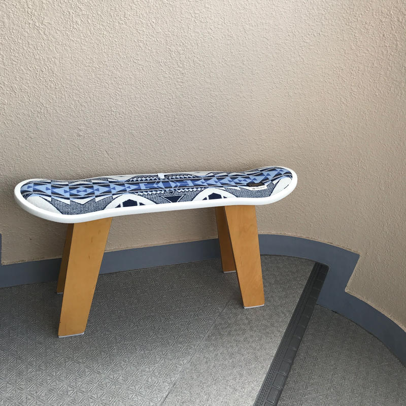 "【サンプル】PENDLETON×MB7r SKATE DECK STOOL ""TRAILHEAD BLUE"" NATURAL WOOD BASE"