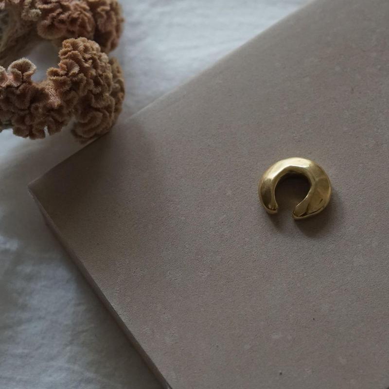 【受注販売7月中旬発送】brass balloon earcuff