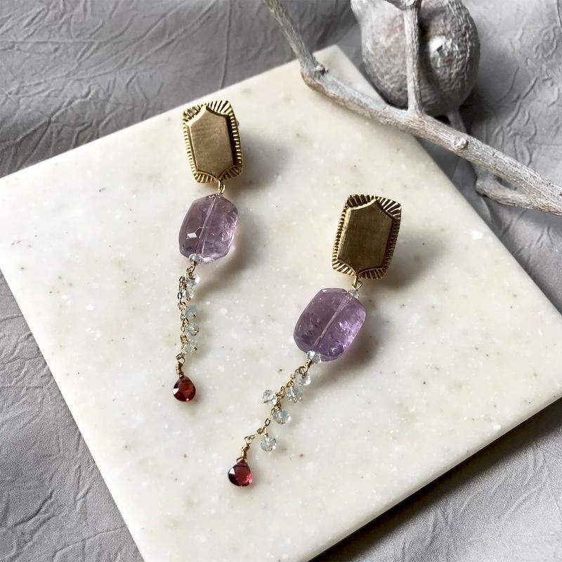 Halo Rectangle - Pierced Earrings - Pink