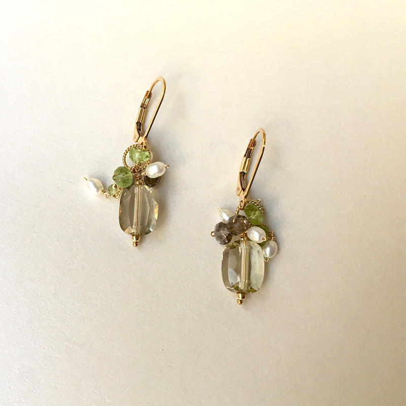 "bouquet pierce & earrings ""White and Green """