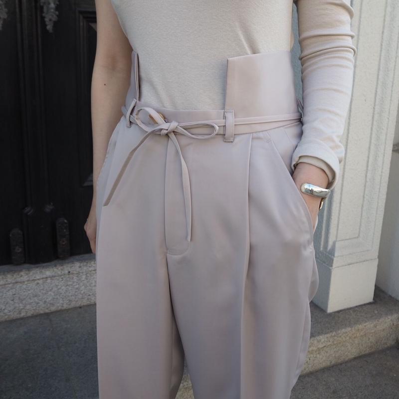 MALKA  MOMA  凹pants(satin)