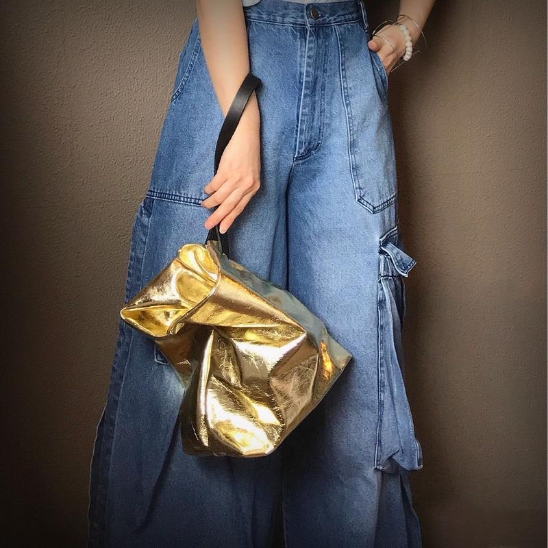 PINCH  BAG  M (GOLD)