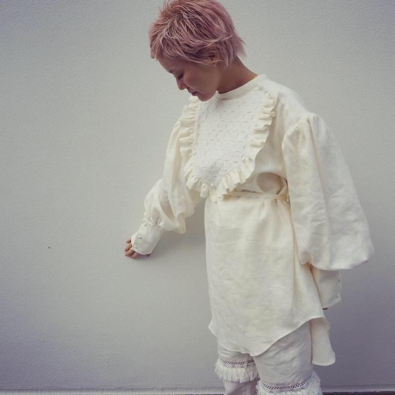 DECO depuis 1985 lace breasplate blouse