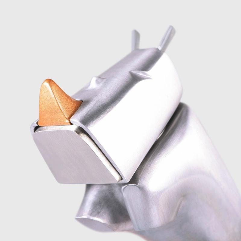 サイがモチーフの工具 ライノハンマー(Rhino Hammer)スペシャルエディション(A00021)
