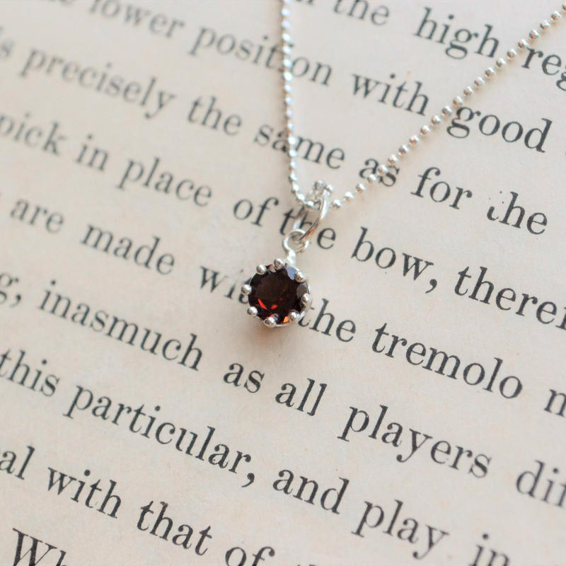 Milk Crown Necklace -Garnet-