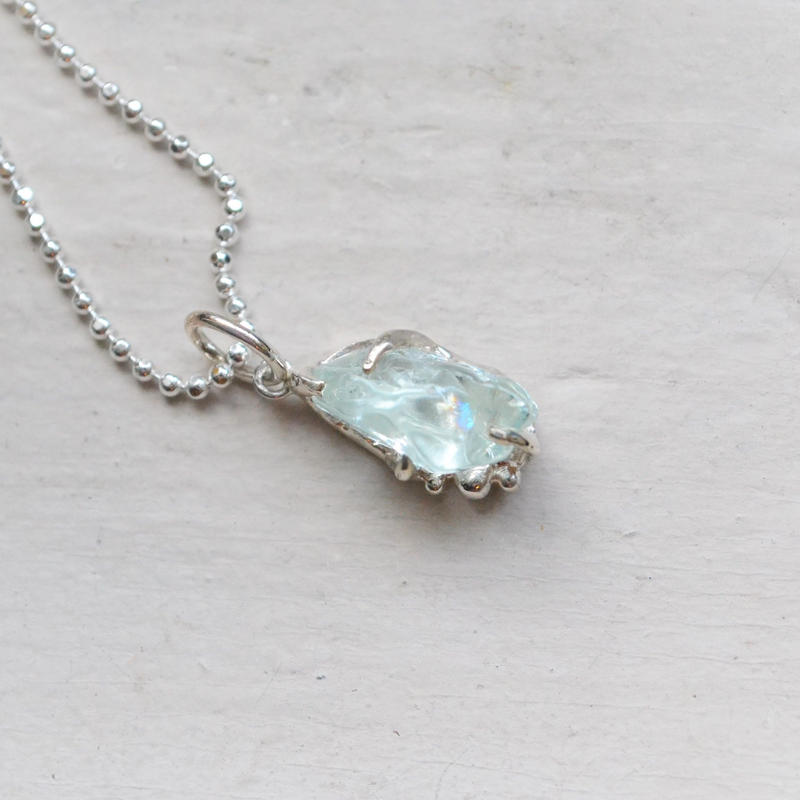 Only One /GemStone Necklace  -Aquamarine- レインボー入