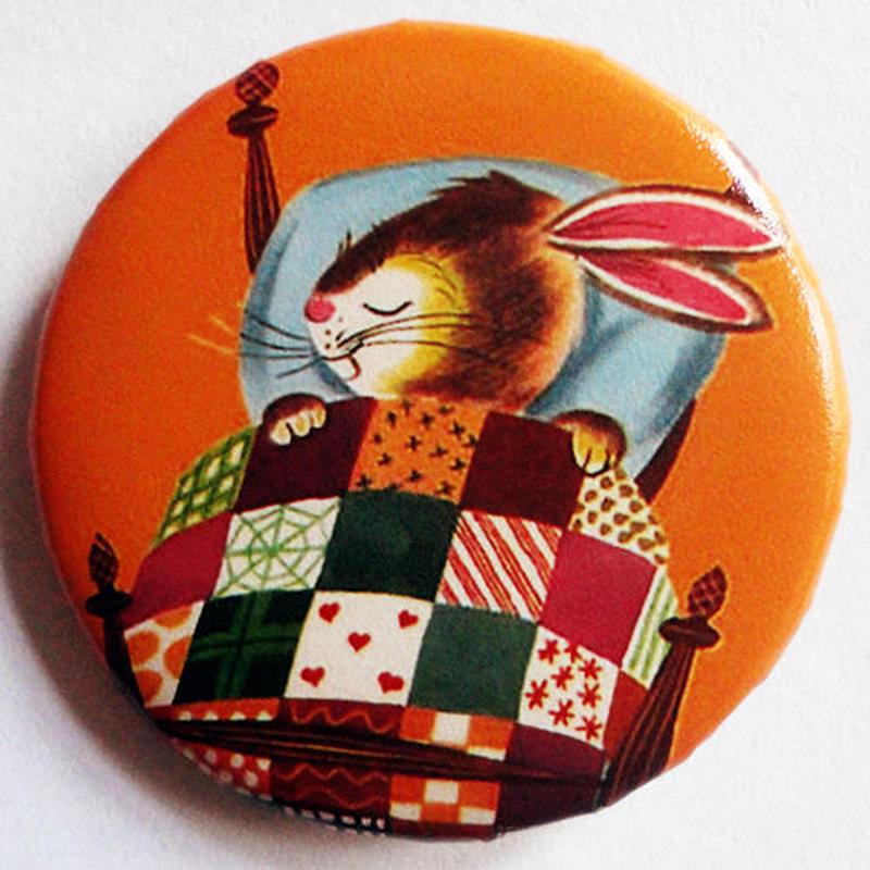 おやすみウサギ缶バッチ(カラフルアニマル)