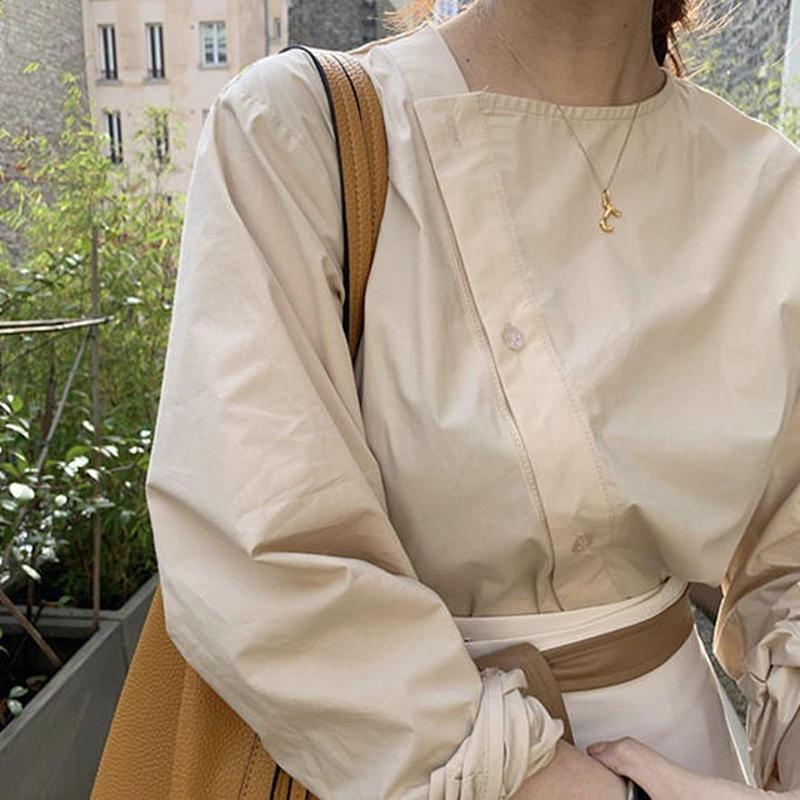 Slanting  blouse