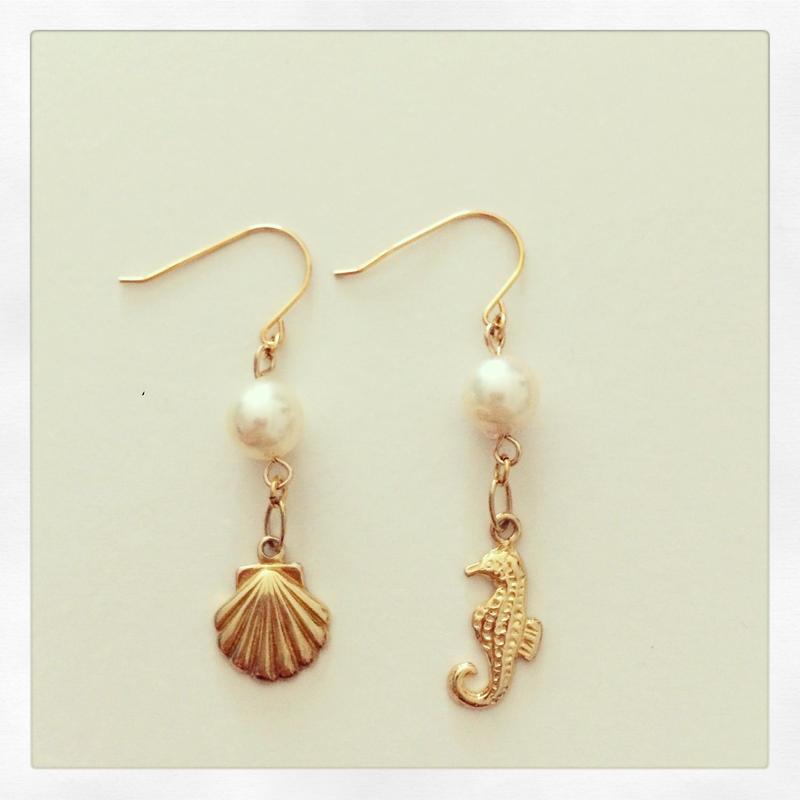 K14GF seahorse and starfish earrings...❤︎