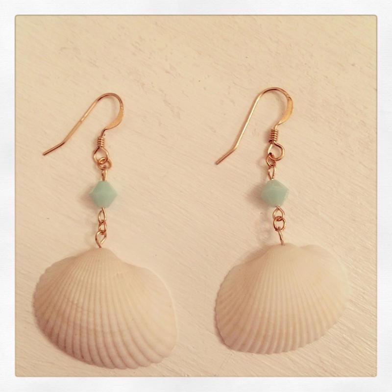 K14GF shell earrings...❤︎
